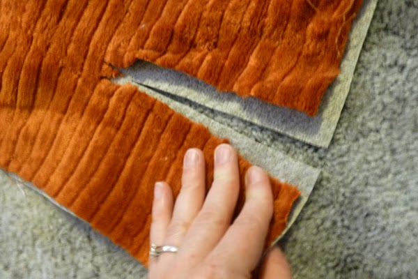 Как перетянуть диван своими руками пошагово 46