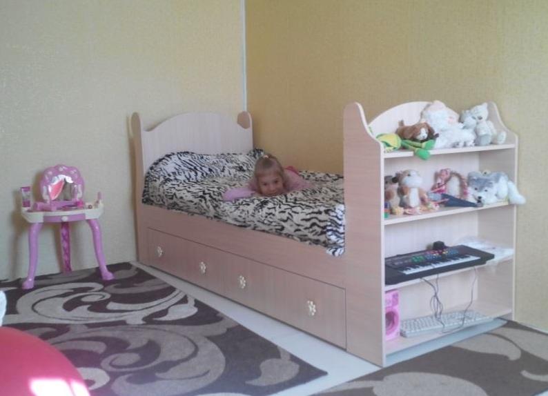 Сделать детскую кровать с ящиками своими руками