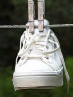 Как отбелить кроссовки?