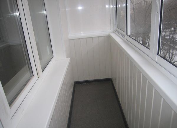 Внутренняя отделка балкона своими руками видео