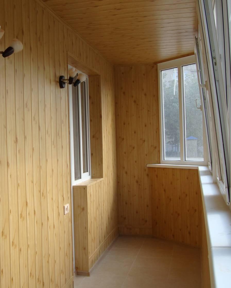 Отделка балкона внутри.
