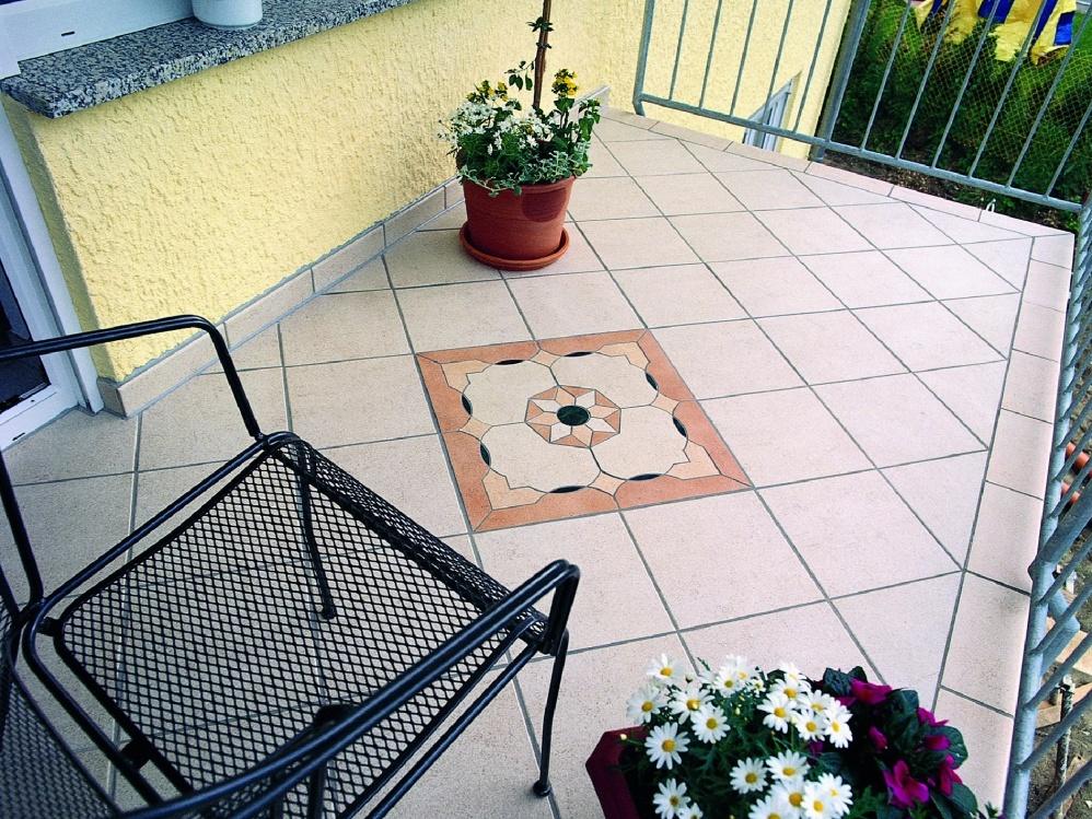 Какое напольное покрытие выбрать для балкона или открытой те.