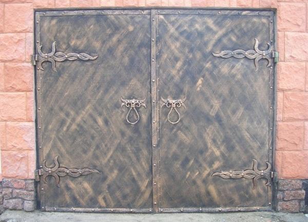 Гаражные ворота своими руками с элементами ковки