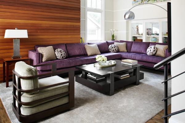 Интерьер к фиолетовому дивану