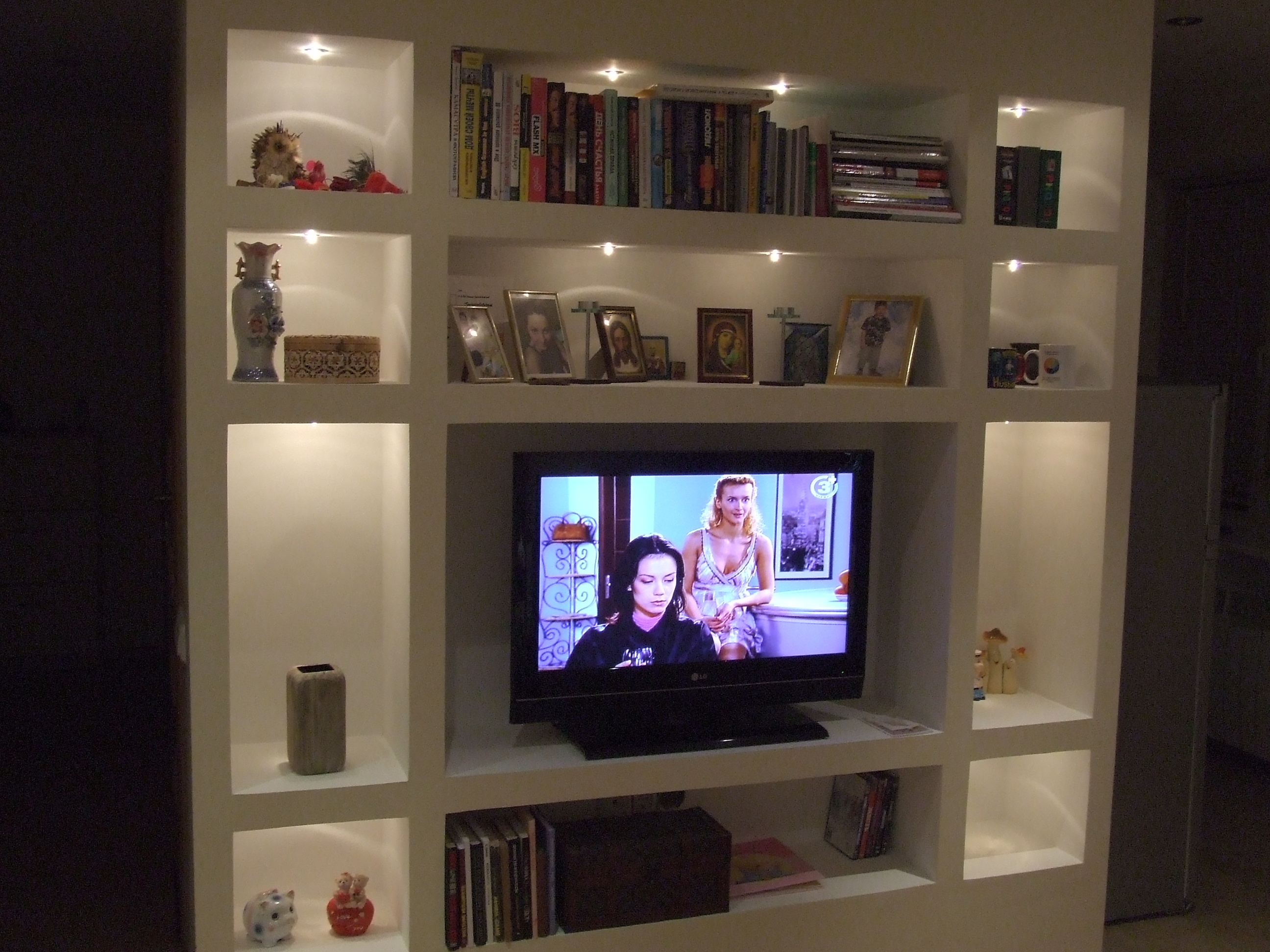 Полка стенка для телевизора 16