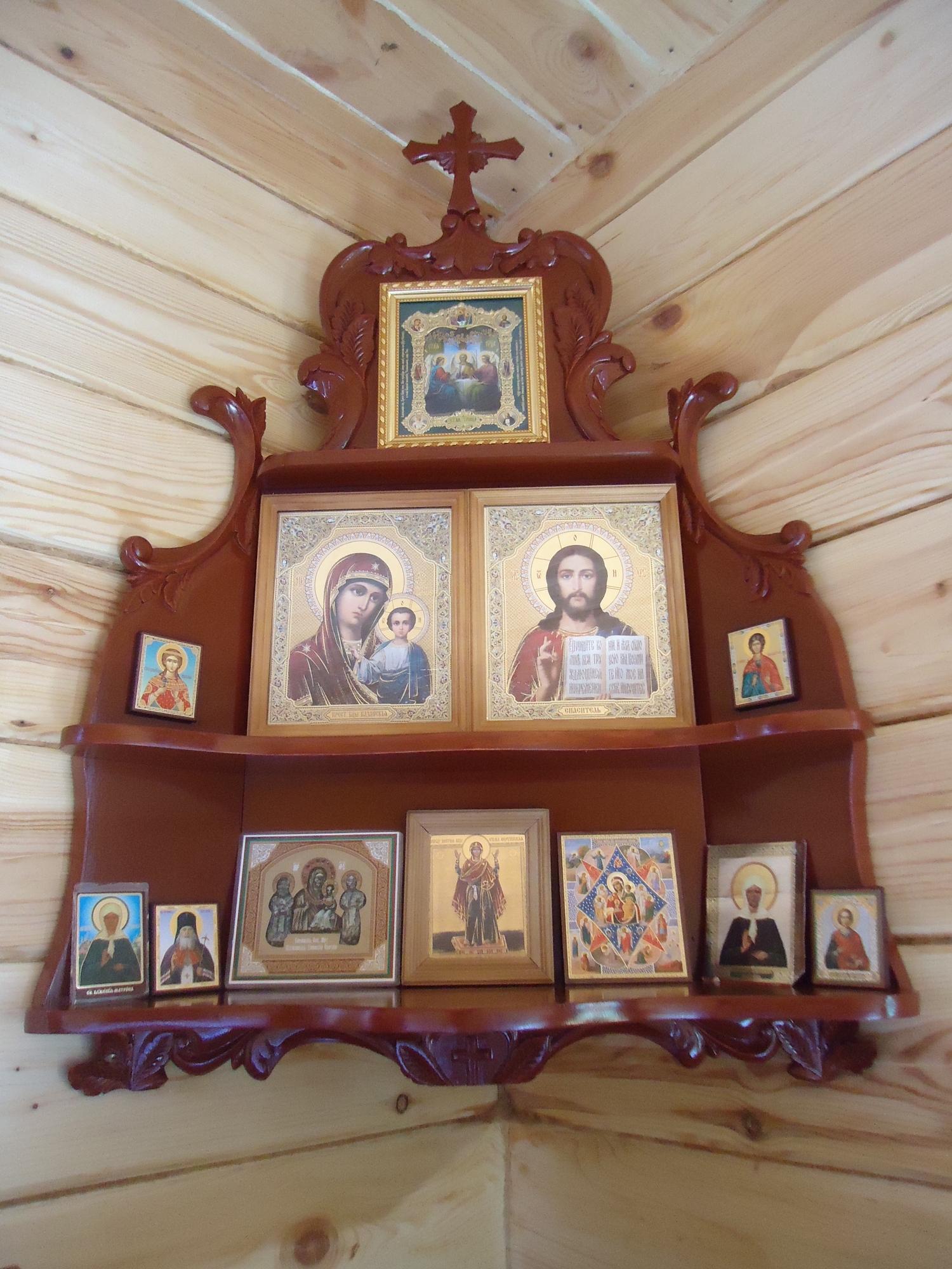 Домашний иконостас своими руками фото