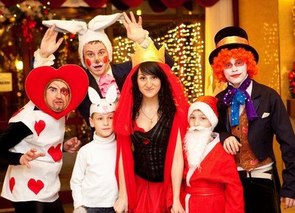 шуточные сказки на новогоднюю вечеринку активно сотрудничаем