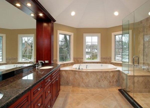 Дизайн ванной комнаты с эркером