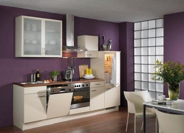 Интерьер кухни с сиреневыми обоями фото