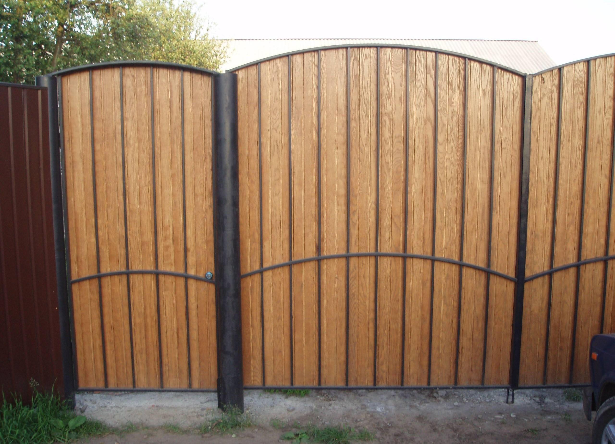 Ворота деревянные распашные своими руками фото