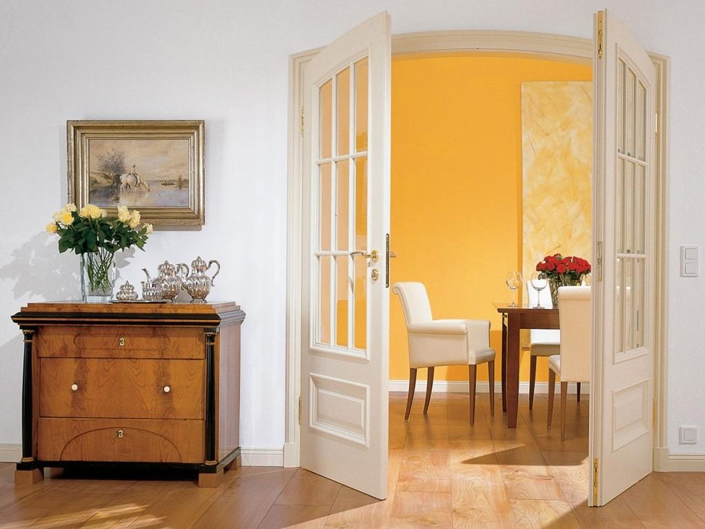 Распашные двери в интерьере фото