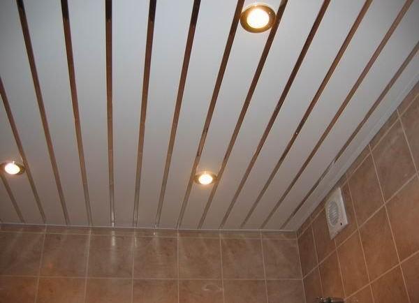 Потолок из сайдинга своими руками в ванной видео