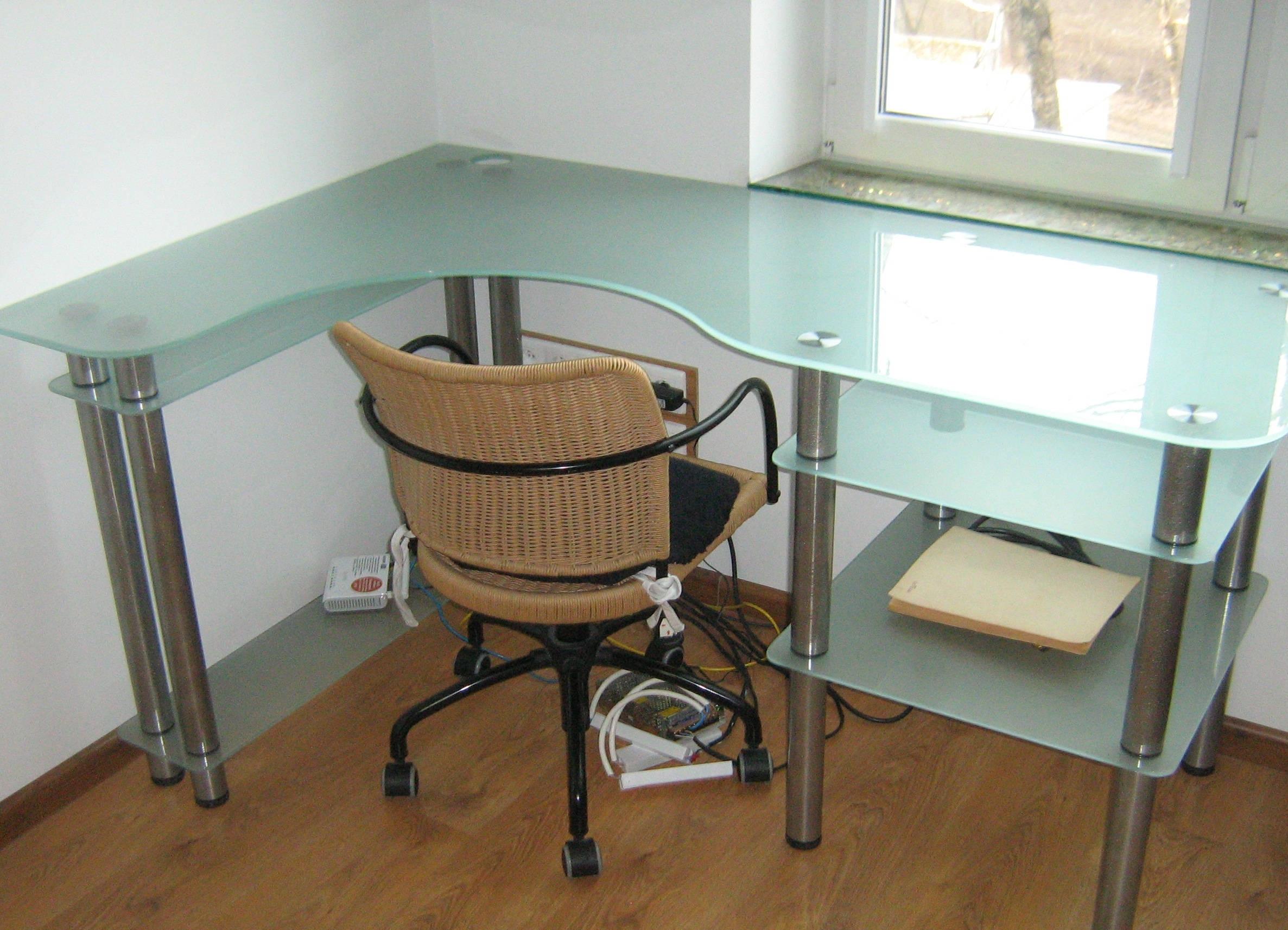 Стол стеклянный письменный 44 мебель из стекла.