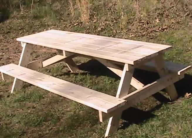 Как сделать стол для домика 564