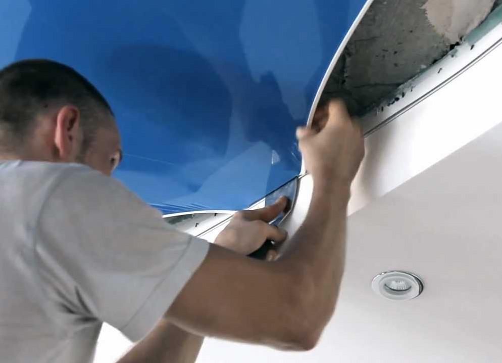 Натяжные потолки установка видео своими руками