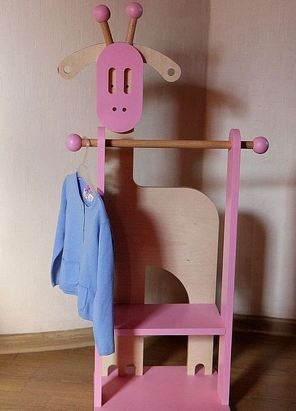 Напольная вешалка для детей