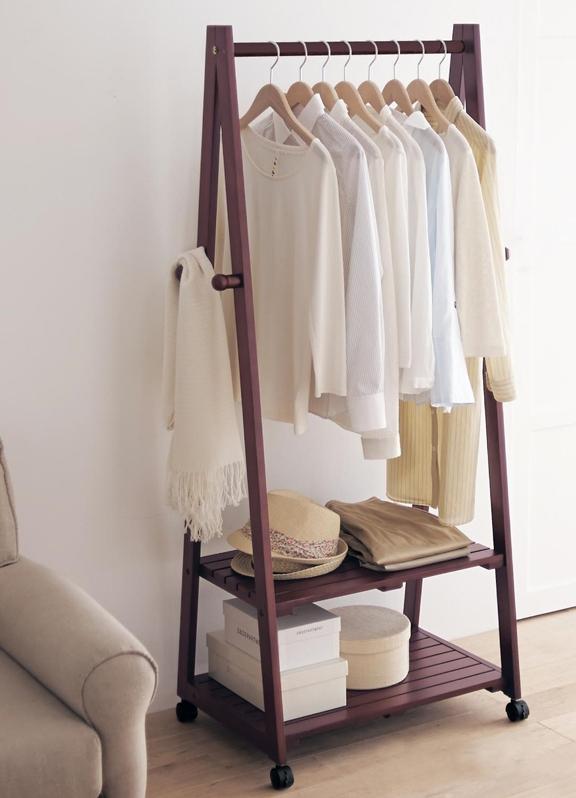 Деревянные вешалки для одежды напольные