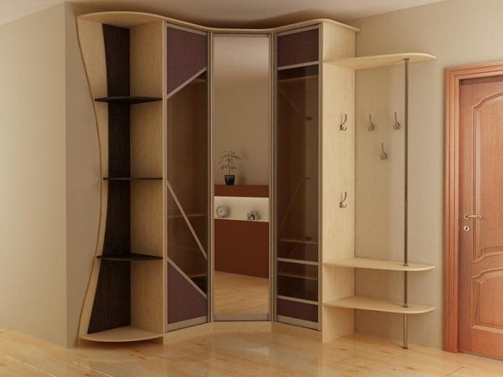 Красивый угловой шкаф в прихожую