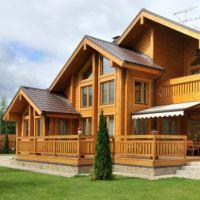 Отделка дома из бруса - лучшие идеи для внутренней и внешней отделки