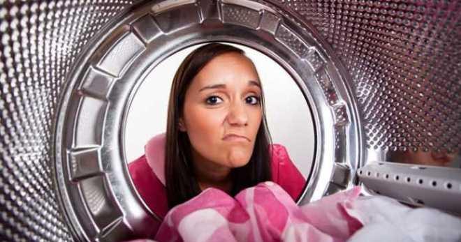 vaskemaskine lugter af mug