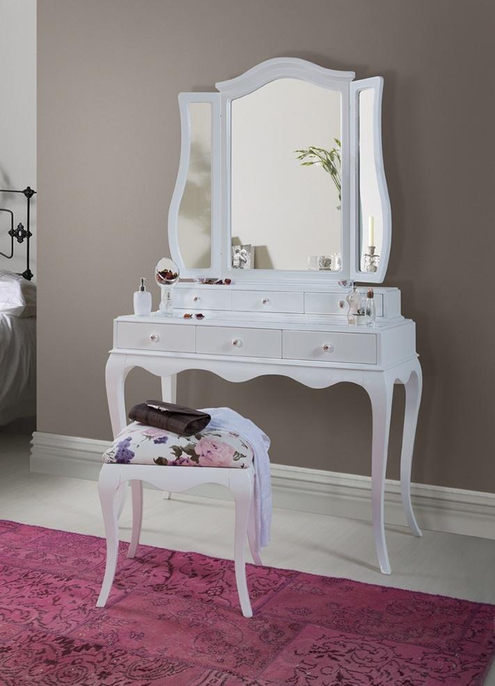 Туалетный столик с зеркалом в спб