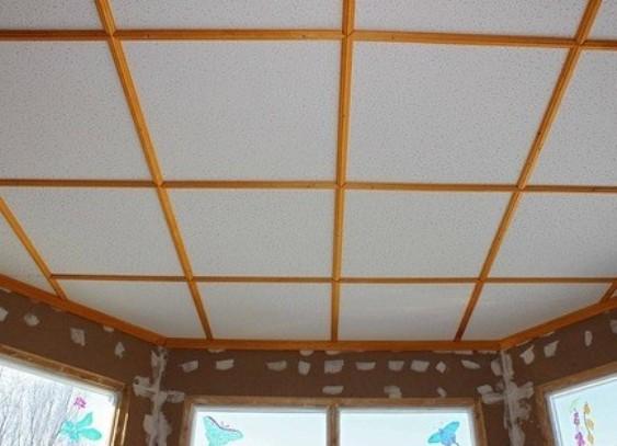 Как дешево отделать потолок