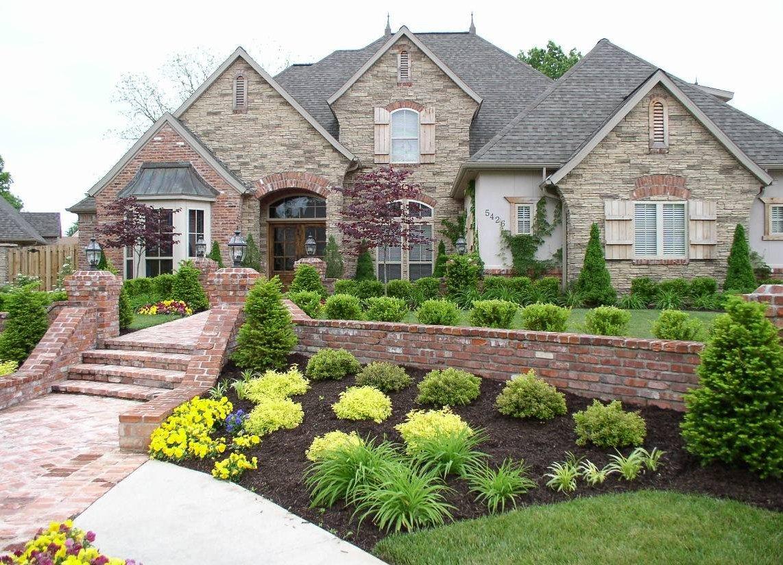 Фото ландшафтный дизайн перед домом
