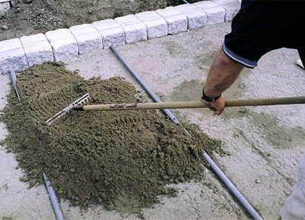 Как положить тротуарную плитку в саду своими руками фото 631