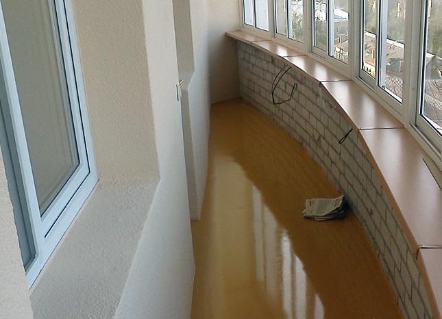 Наливной пол на балконе.