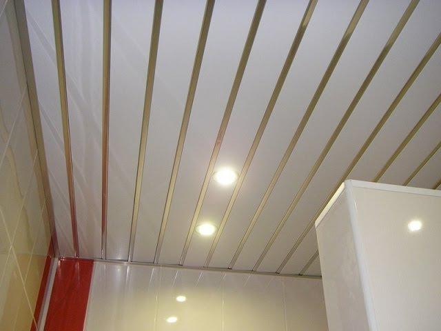 Реечный потолок в ванной комнате своими руками видео