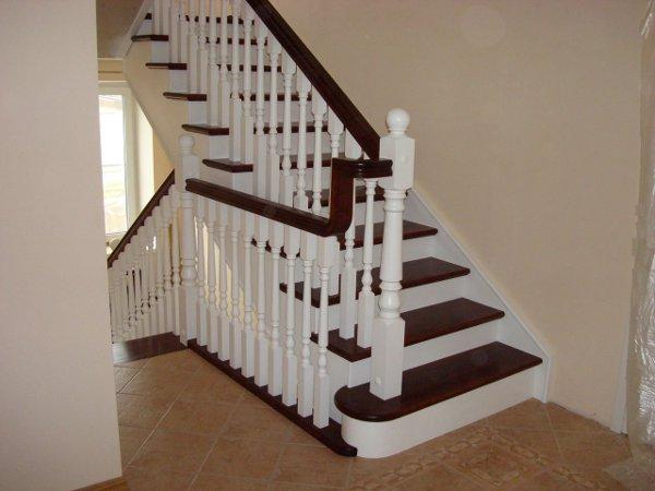 фото балясины для лестниц