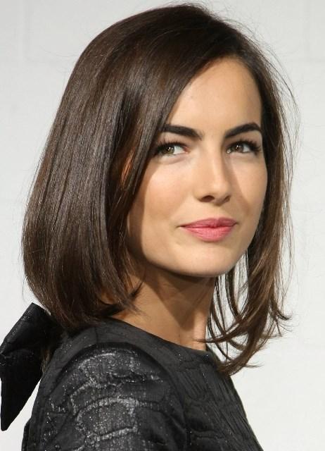 Стрижка боб на средние волосы без чёлки фото