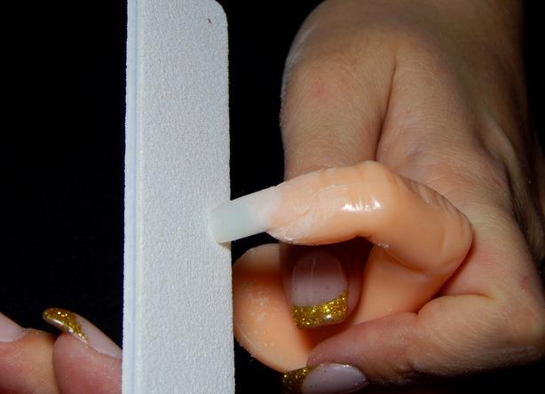 Как самому наращивать ногти гелем на типсы в домашних условиях