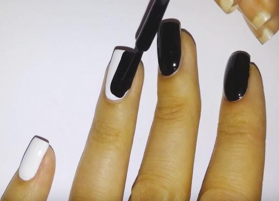 Легкие рисунки на ногтях белым и черным лаком
