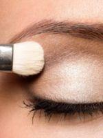 Как правильно наносить тени на веки и брови, чтобы макияж выглядел идеально?