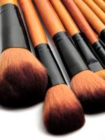 Кисти для макияжа – учимся различать инструменты и создаем необходимый набор