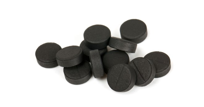 Активированный уголь для лица от прыщей