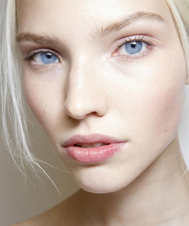 Легкий макияж для голубых глаз 3