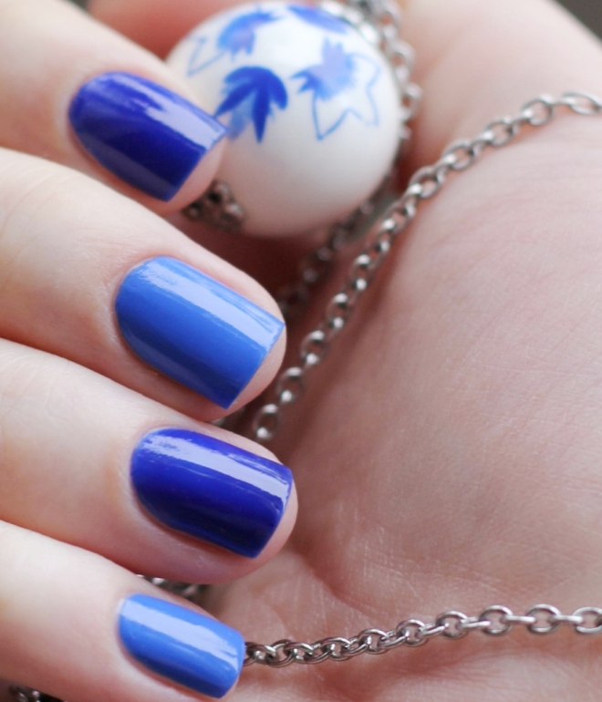 синий гель лак на короткие ногти 2