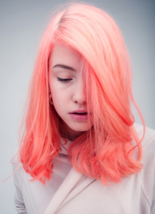 Тоника дымчато розовый на волосах