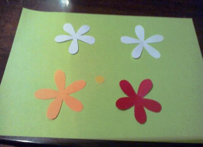 Как сделать подарок маме из бумаги