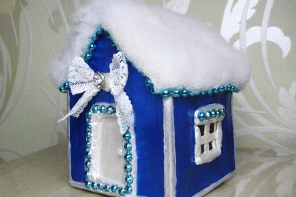 Новогодняя поделка домик из картона своими руками