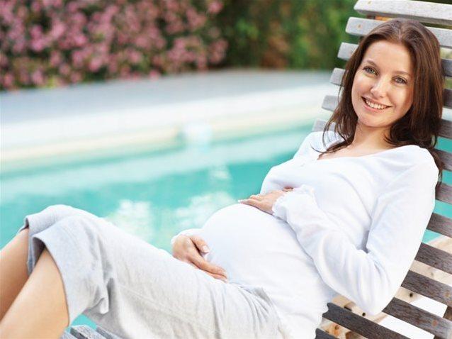 Можно ли наклоняться при беременности на поздних сроках