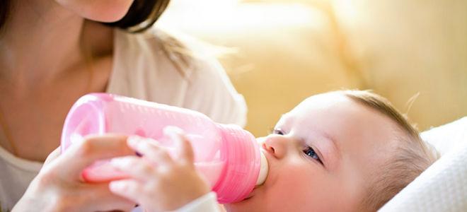 Как сцеживать грудное молоко руками при застое - техника сцеживания