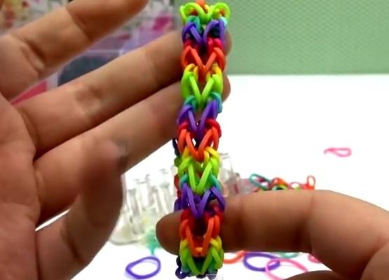 Как сделать браслет из резинок двойной браслет на рогатке