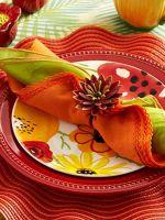 Как сложить салфетку на праздничный стол?