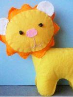 Лев из фетра - игрушка для малыша