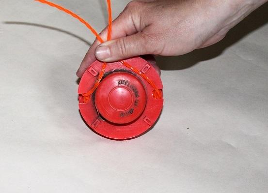 как правильно установить леску в катушку триммера