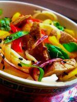 «Пражский» салат с болгарским перцем и говядиной