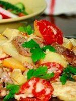 Мясо по-французски с картофелем и помидорами
